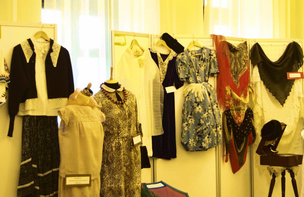Наша история: выставку костюмов открыли в Щаповском
