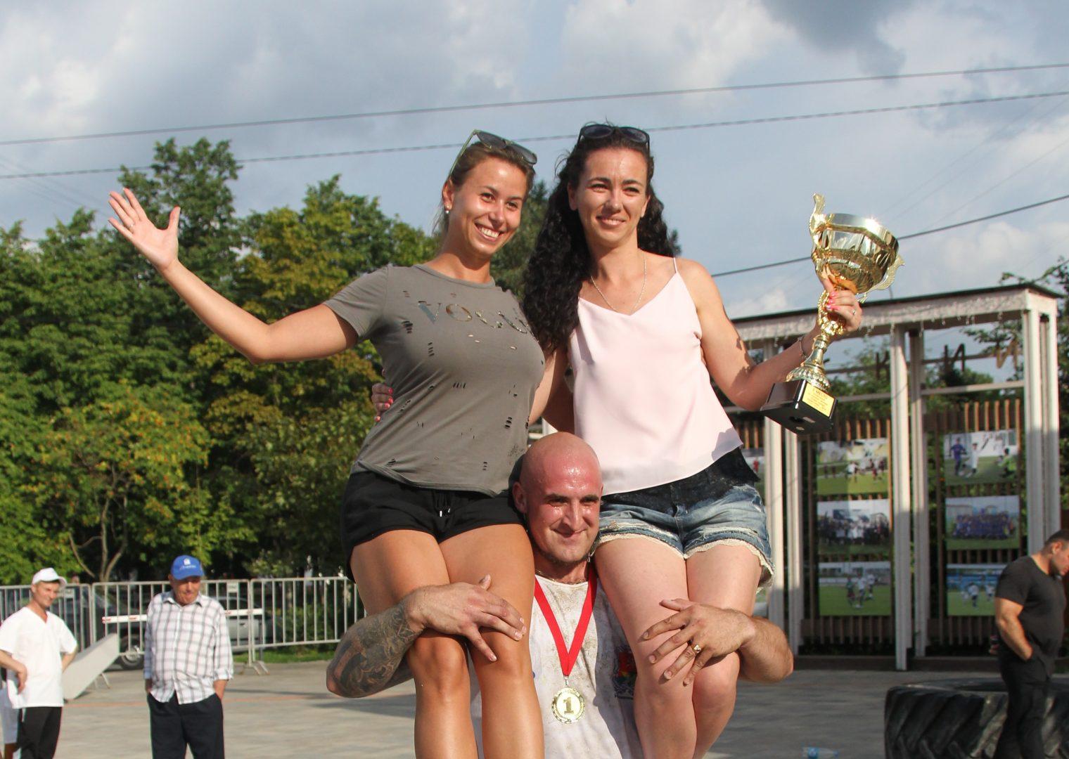 Павел Фатеев отчаянно боролся за победу, но главный вес не взял. Фото: Владимир Смоляков