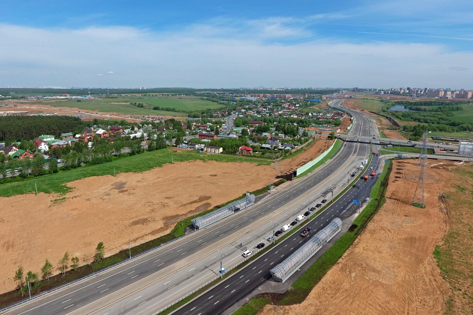 Около 150 километров дорог построили в Новой Москве с 2013 года. Фото: stroi.mos.ru