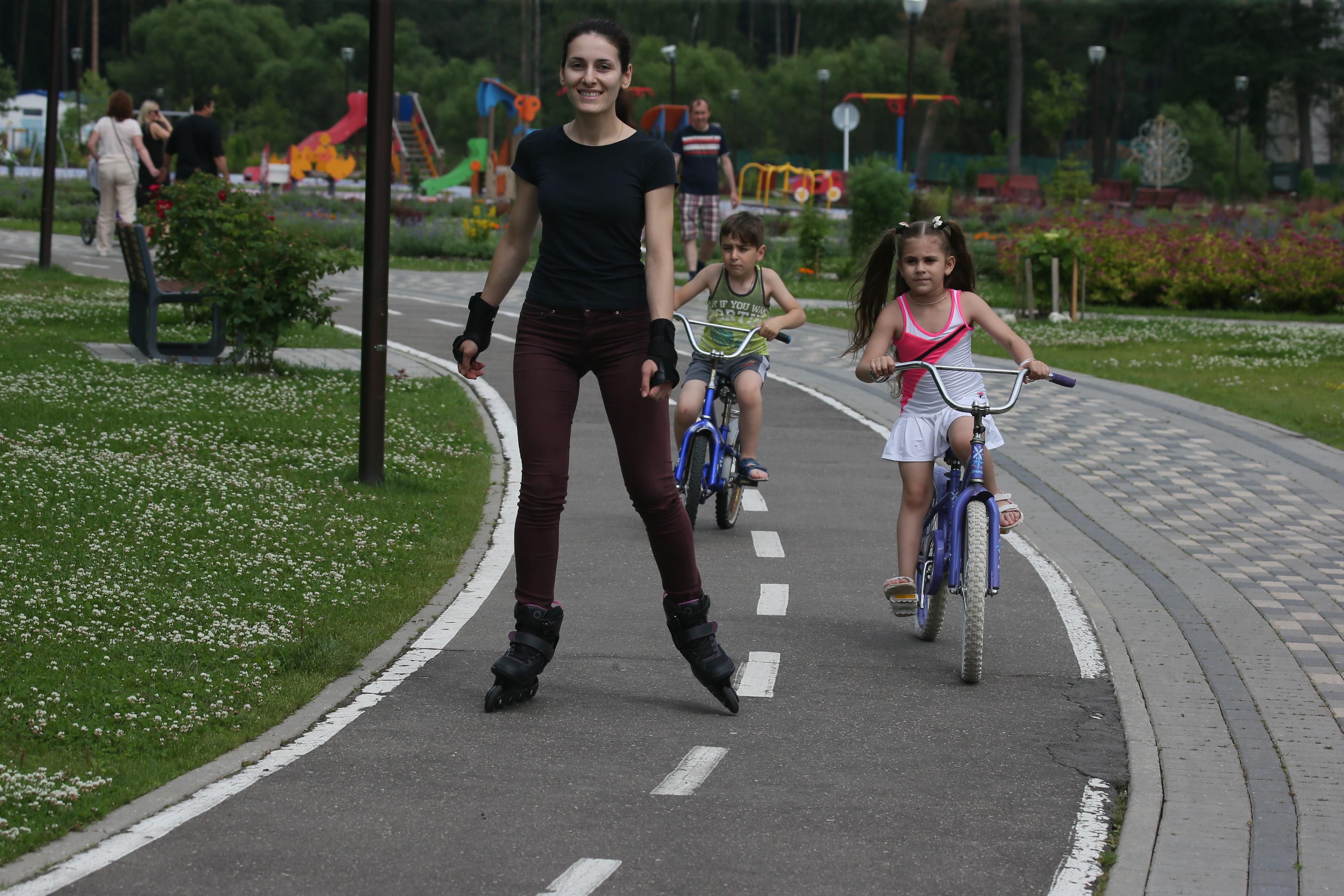15 июля 2017 года. Новофедоровское. Выходные в парке «Сосны» скучными не бывают. Фото: Виктор Хабаров