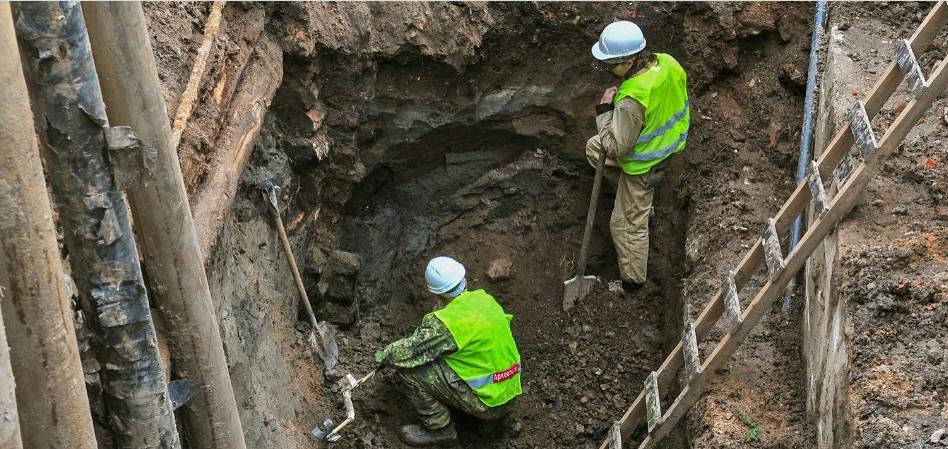 Древний бубенчик и турецкий чубук раскопали в московском переулке