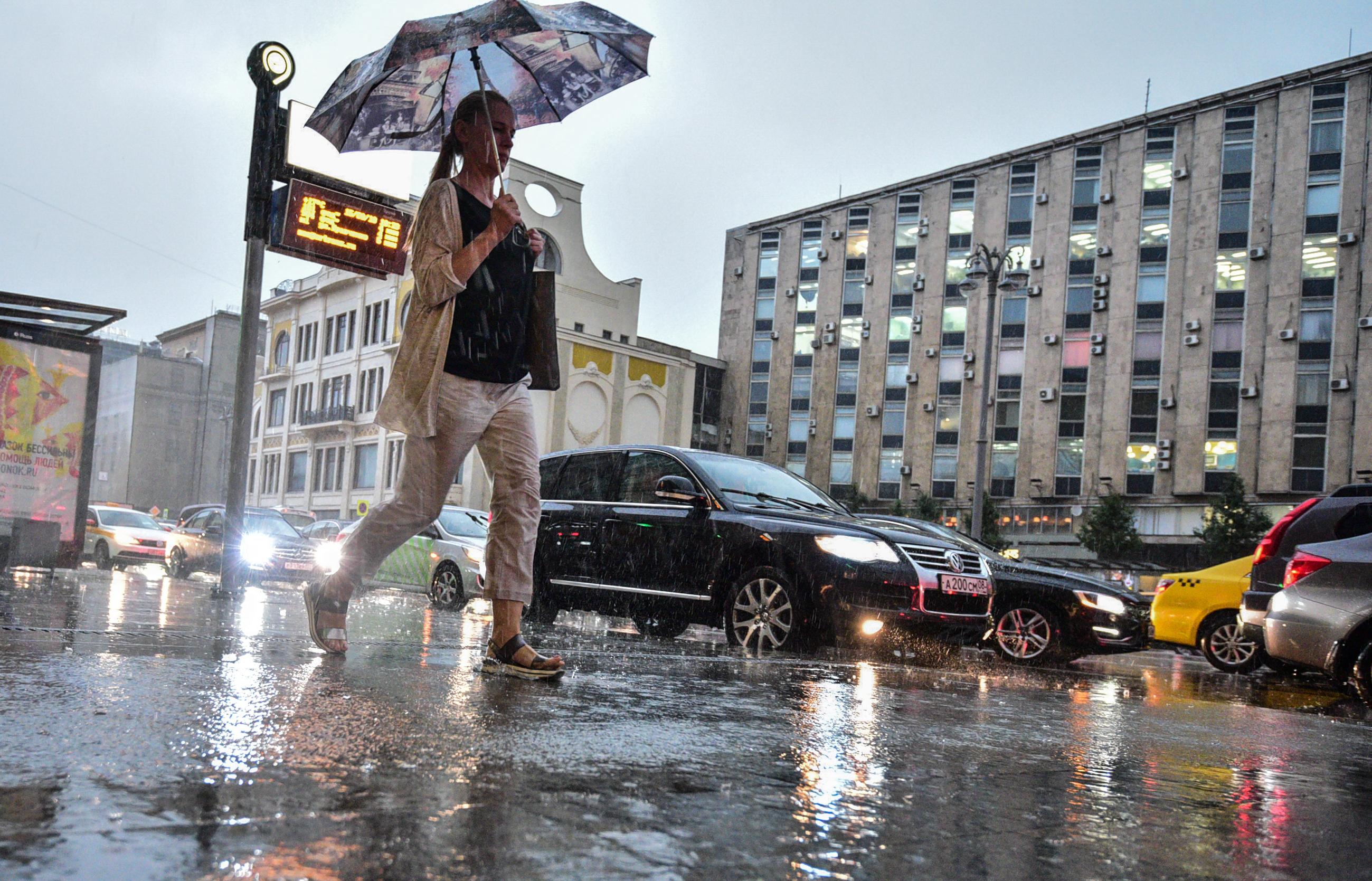 Москвичам пообещали четверть августовской нормы дождя во вторник