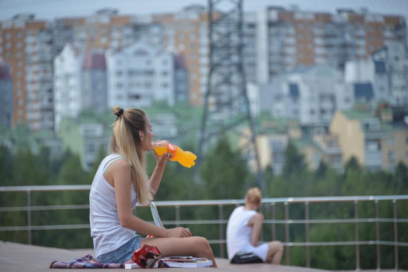 Жаркую погоду пообещали москвичам на следующей неделе