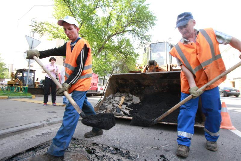 Специалисты построят новую дорогу в Кленовском