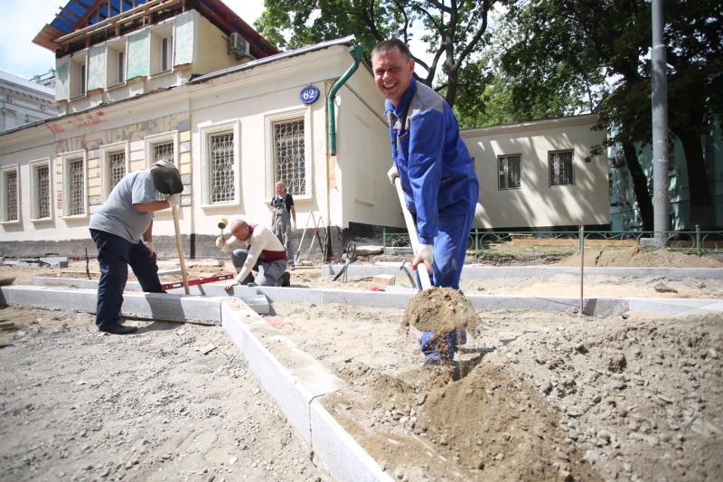 Бордюрные камни установили в поселении Мосрентген