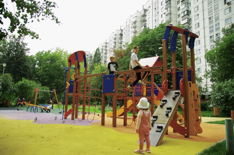 Детские площадки обустроят в Михайлово-Ярцевском
