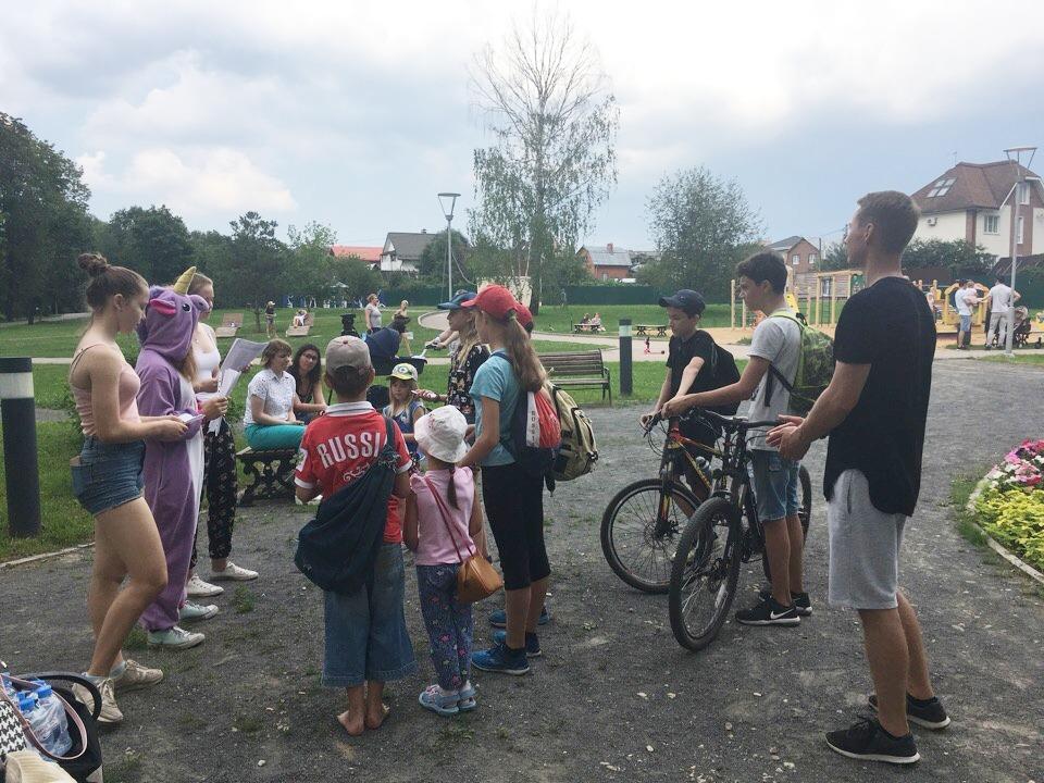 Активисты регулярно проводят тематические мероприятия для детей. Фото: представители Молодежной палаты Троицка
