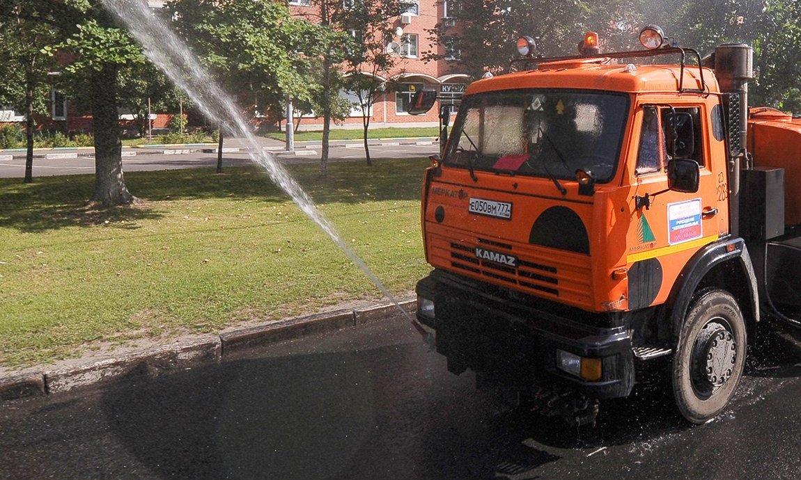 Городские коммунальные службы перешли на усиленный режим работы
