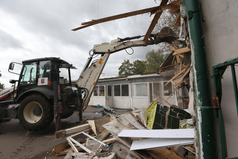 Префектура Новой Москвы приступила к сносу незаконной постройки в Ватутинках