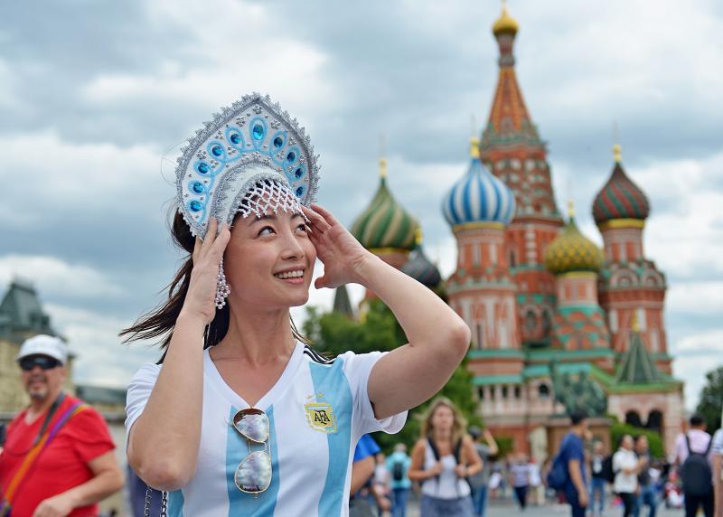 На период проведения ЧМ-2018 в столице число иностранных туристов увеличилось на 56%. Фото: Наталья Феоктистова