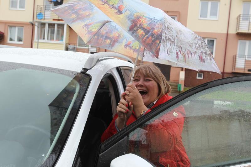 Москвичей попросили не парковаться под деревьями из-за усиления ветра