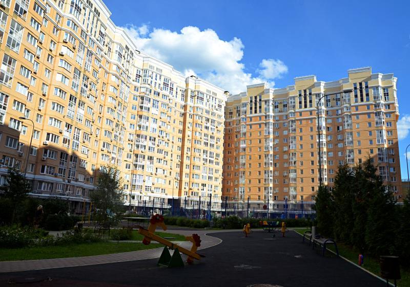 Ремонт подъездов закончили в Десеновском