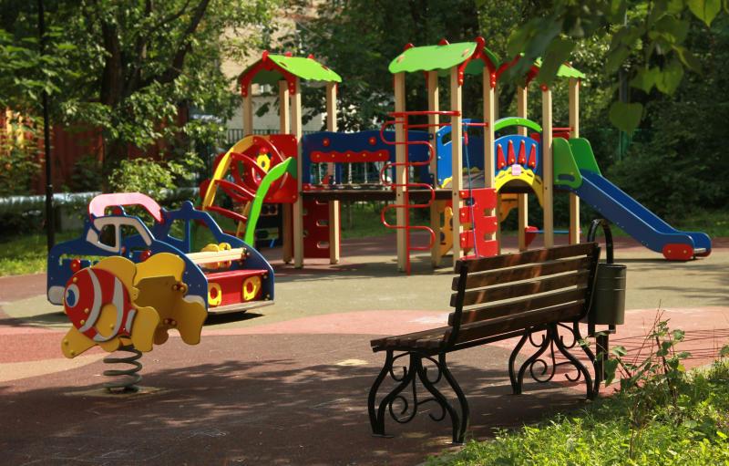 Строительство детской площадки завершили в Кокошкино