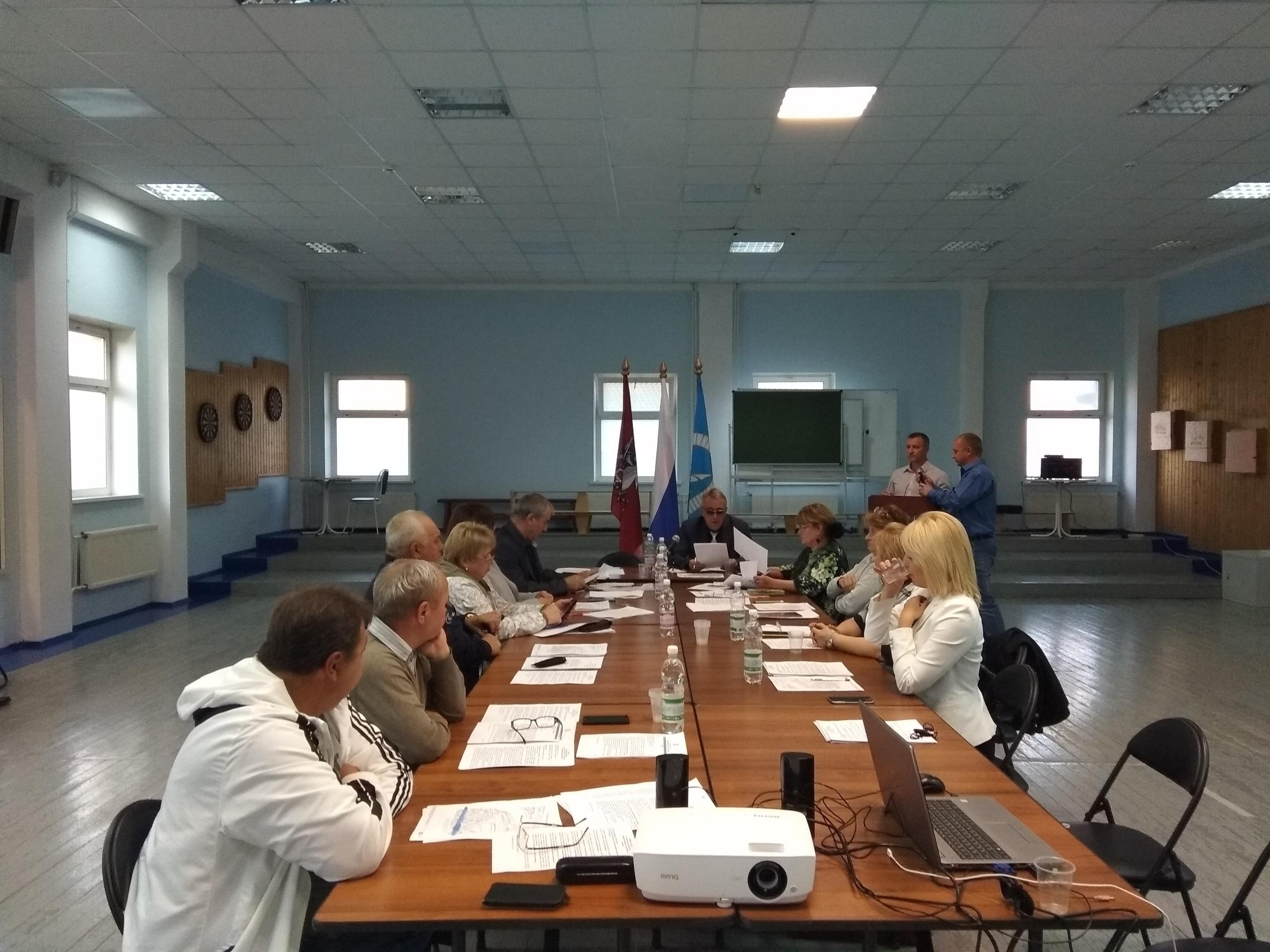 Отчет о работе школы №2083 представили на собрании Совета депутатов Рязановского