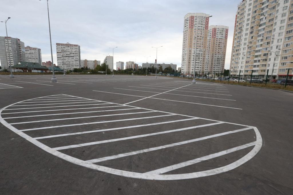 Новые парковки планируют открыть в Московском в октябре