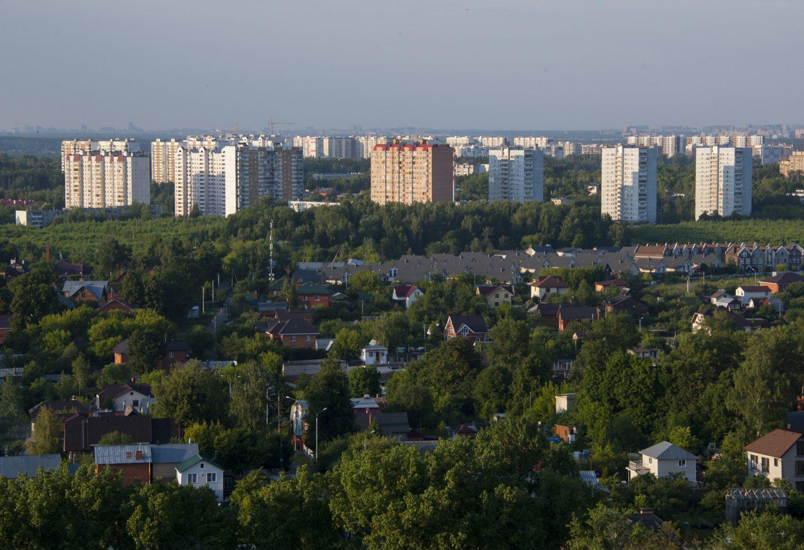 Просторы и удобства ТиНАО привлекают все больше новых жителей. Фото: Александр Кожохин