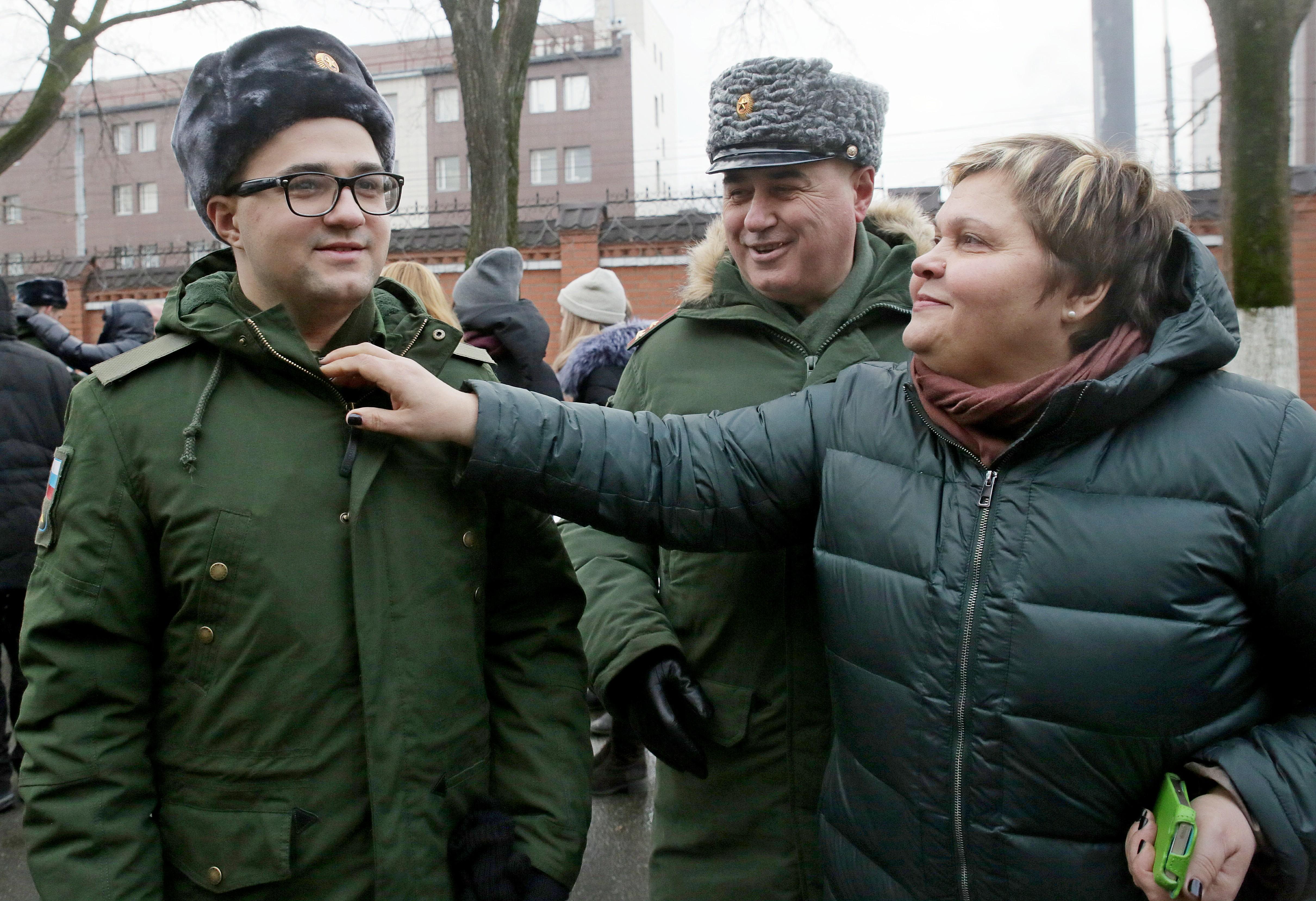 Новобранцев из Новофедоровского проводят на военную службу. Фото: архив, «Вечерняя Москва»