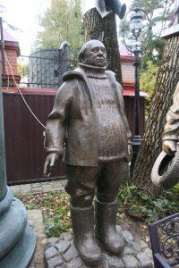 Двор музея Зураба Церетели. Скульптура Евгения Леонова. Фото: Владимир Смоляков