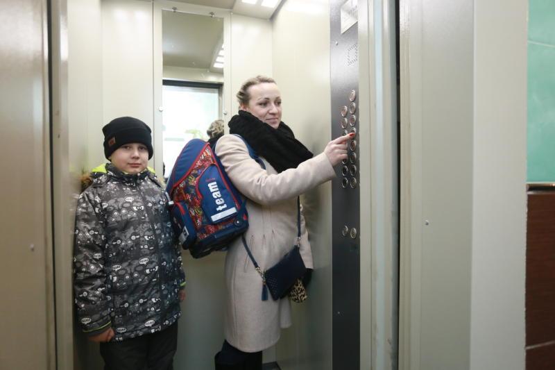 В московских домах заменили 13 тысяч лифтов