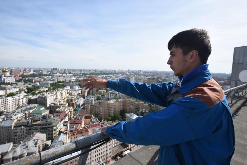 Почти три тысячи крыш отремонтировали в домах Москвы