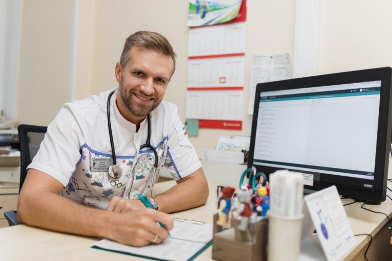 Сервис ЕМИАС позволяет врачу оформить электронный рецепт в семь раз быстрее, чем если бы он это делал от руки. Фото: Павел Волков
