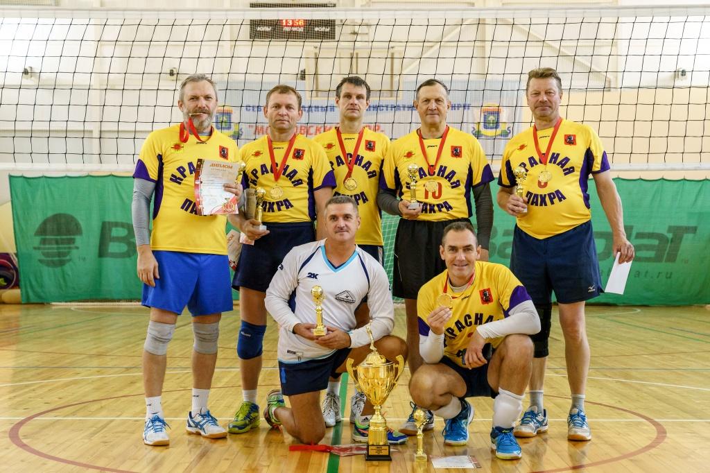 Финал соревнований по волейболу выиграли спортсмены из Краснопахорского