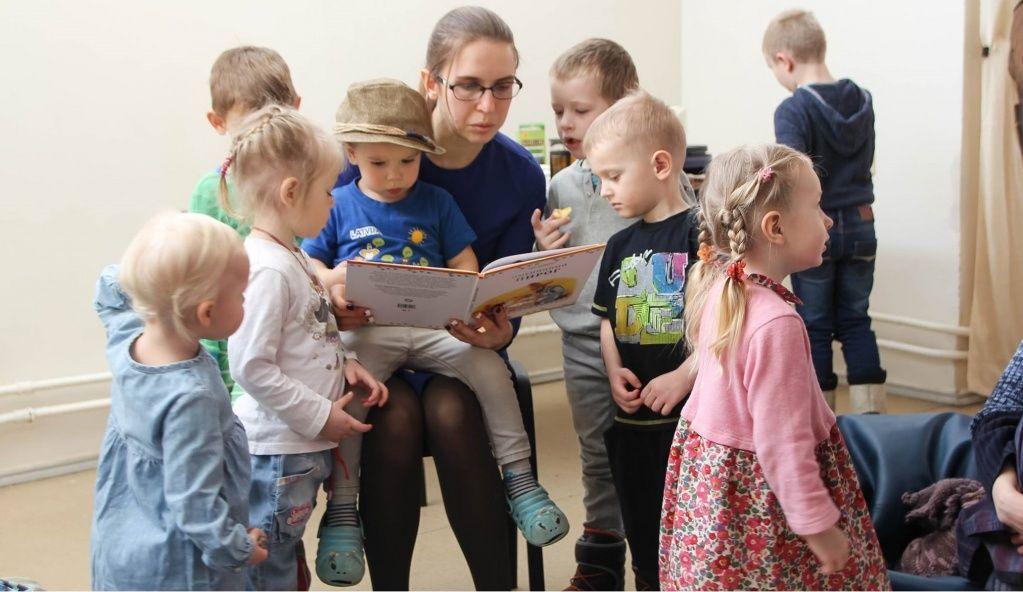 Мальчик из спичечной коробки: малышей Троицка пригласили на «Завтрак с книгой»
