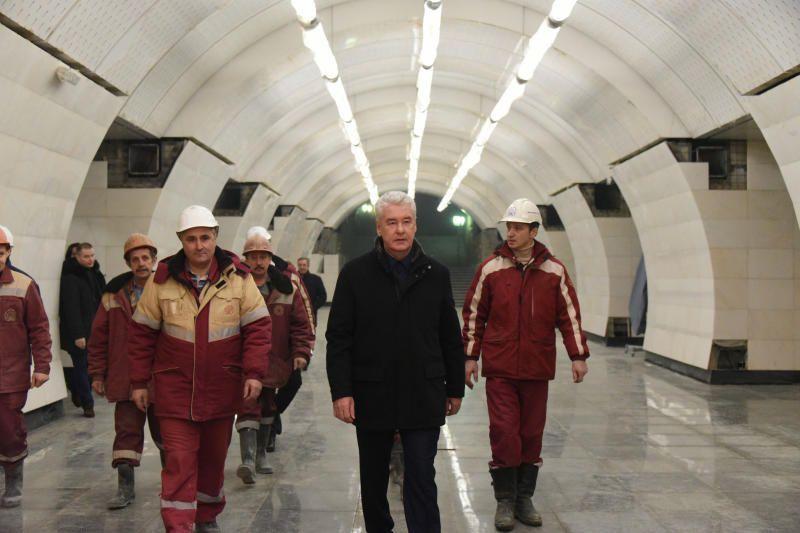 Сергей Собянин: московское метро убирают более двух тысяч человек