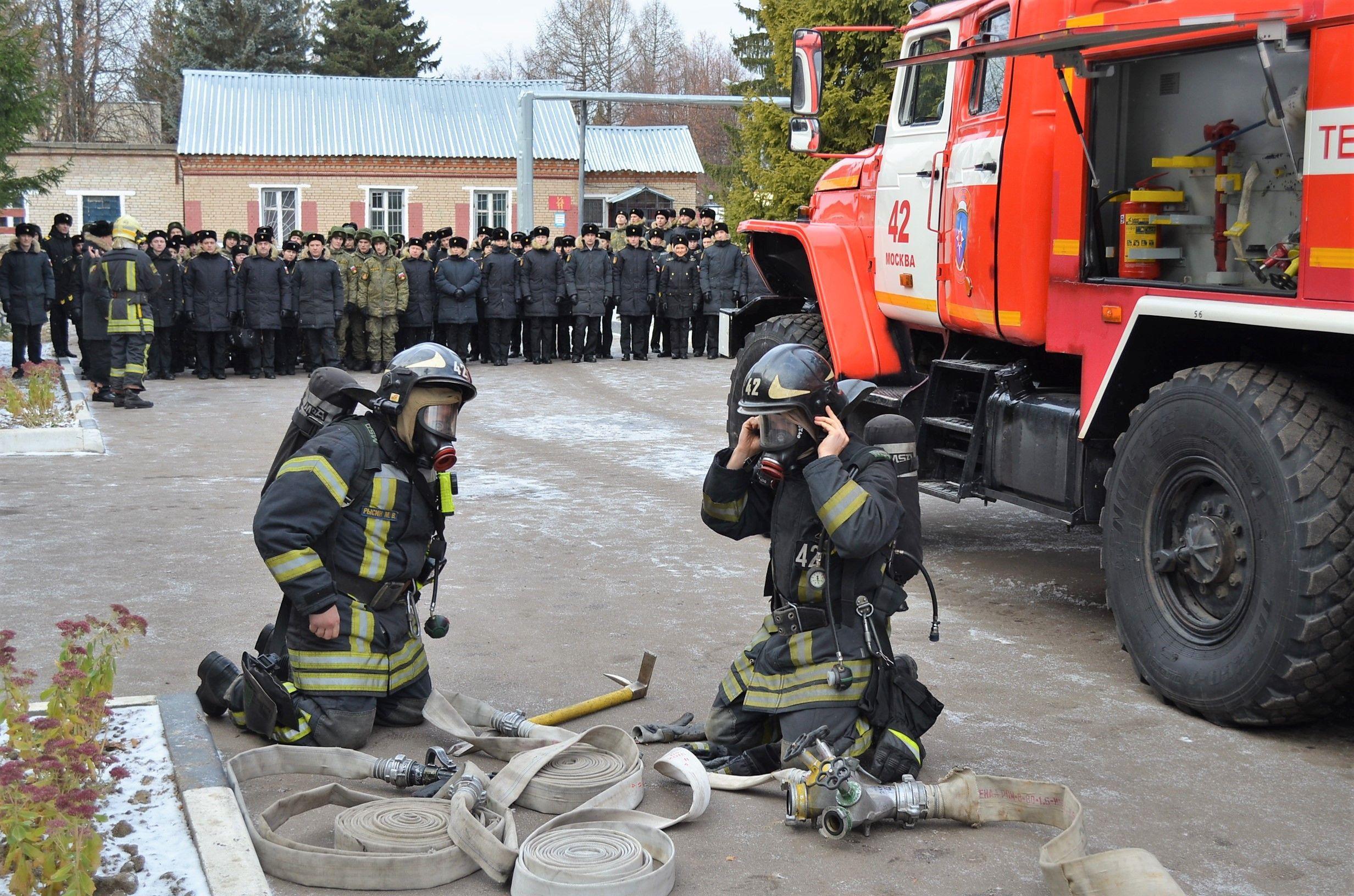 Сотрудники МЧС провели профилактическое занятие по пожарной безопасности с военнослужащими войсковой части №72064