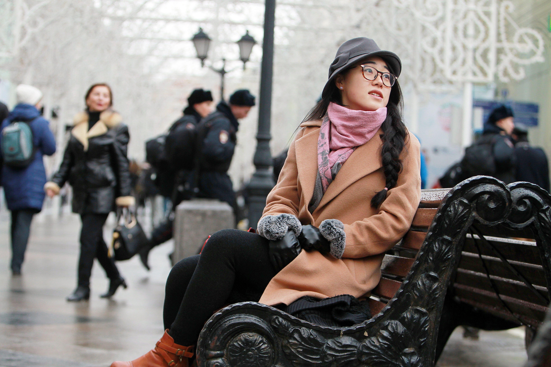 Москвичей ожидает облачная и снежная погода в субботу