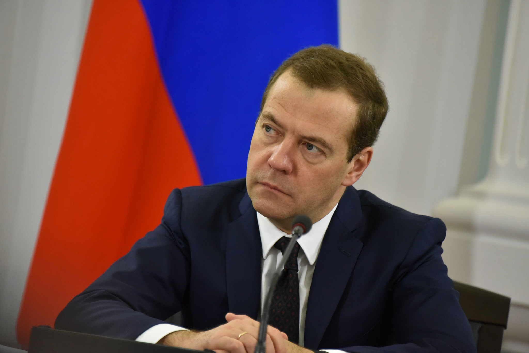 Дмитрий Медведев разрешил Москве запустить беспилотные автомобили