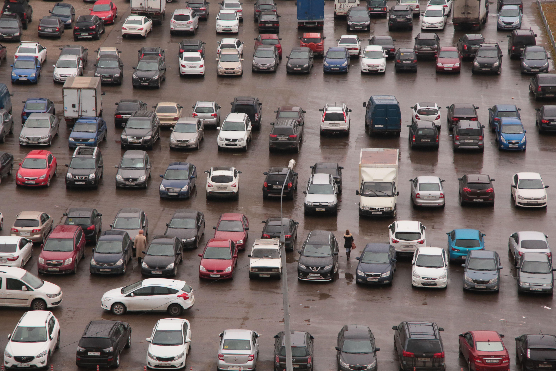 Около 60 новых парковочных мест для резидентов создадут в Москве