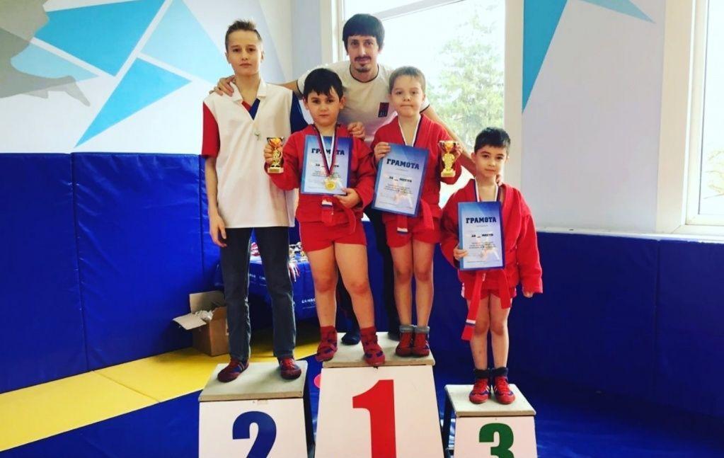 Юношеские соревнования по самбо состоялись в поселении Первомайское