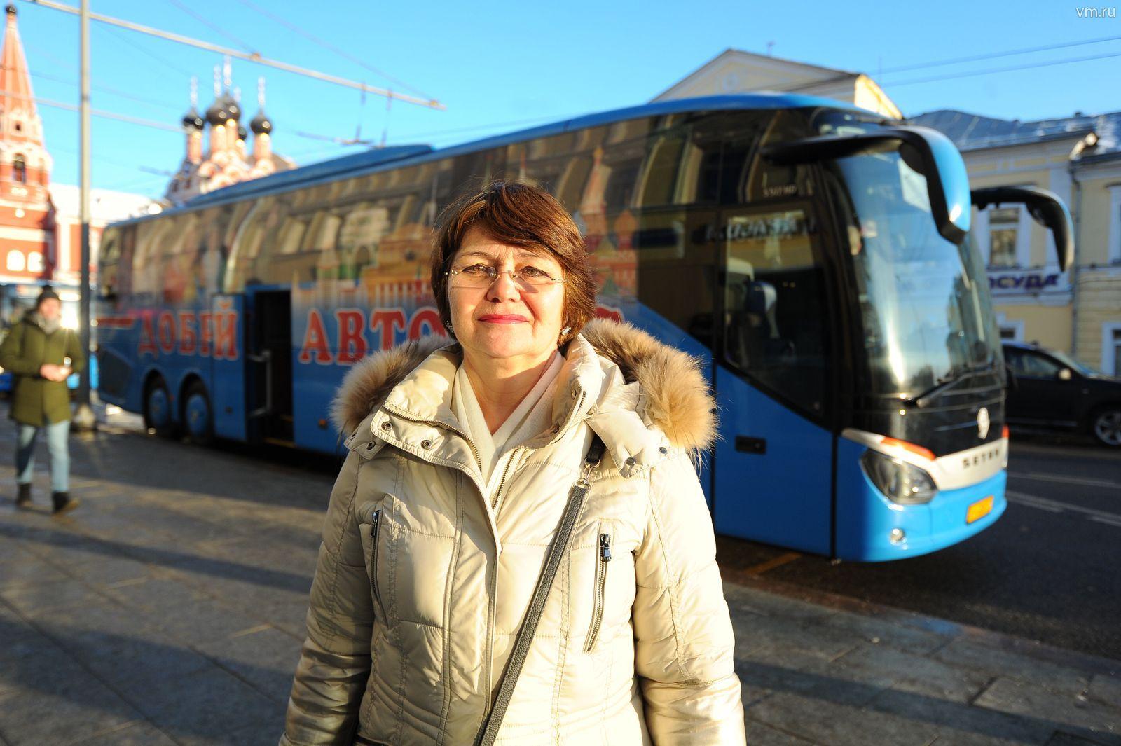 Более 500 экскурсий на «добрых автобусах» организовали для пожилых людей