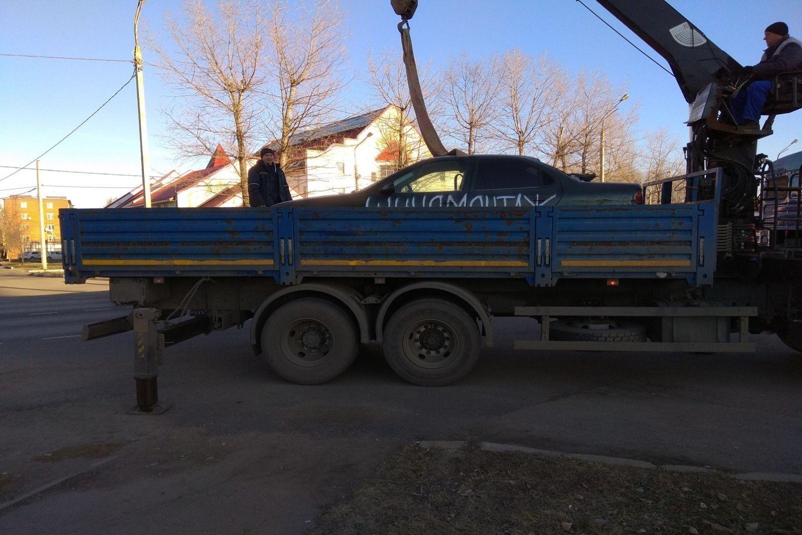 Брошенное транспортное средство принудительно эвакуировали в поселении Рязановское