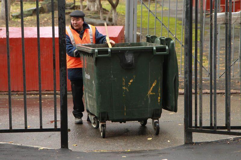 Восемь площадок для сбора мусора отремонтируют в Ватутинках