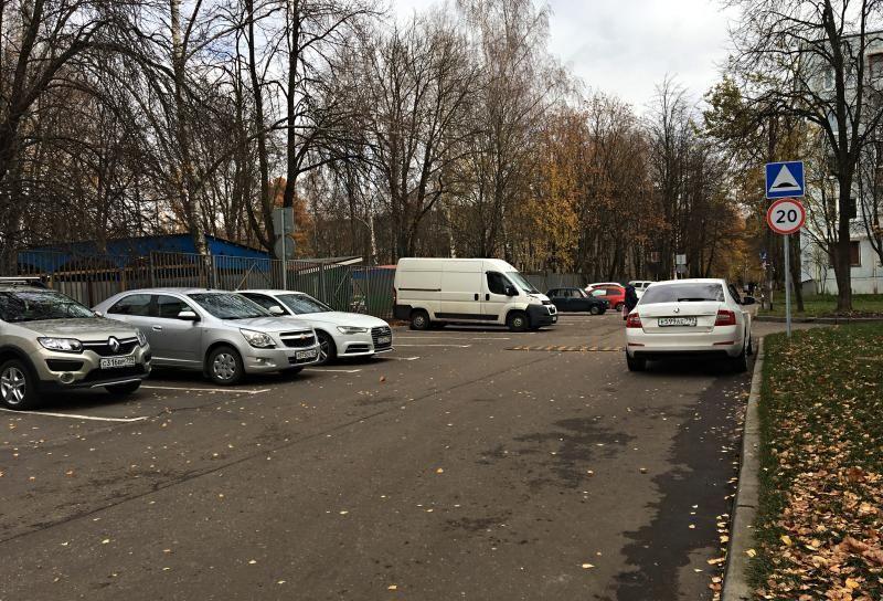 Парковку на 15 автомобилей обустроили в поселении Десеновское