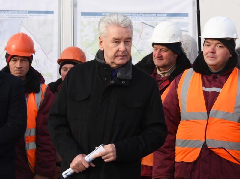 Собянин: В текущем году в Москве построено 127 км дорог