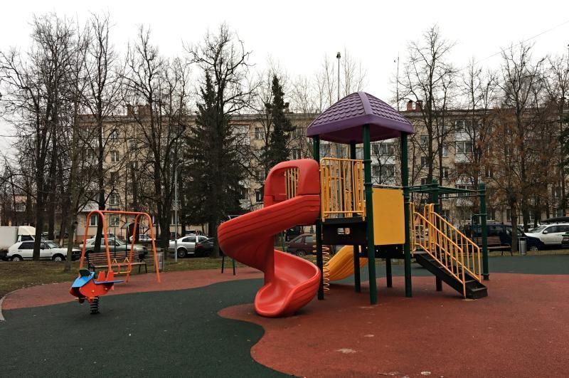 Обустройство новой детской площадки завершилось в поселении Щаповское