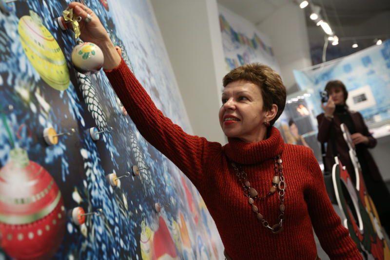 Участницы проекта «Московское долголетие» из Первомайского изготовят новогодние игрушки