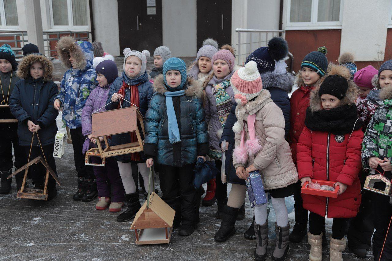 Дети из Московского смастерили кормушки для зимующих птиц