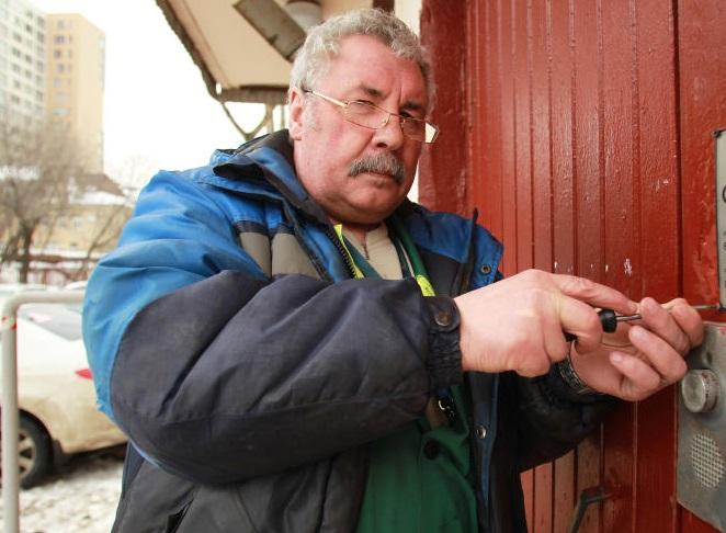 Капитальный ремонт входных групп жилых домов прошел в Сосенском