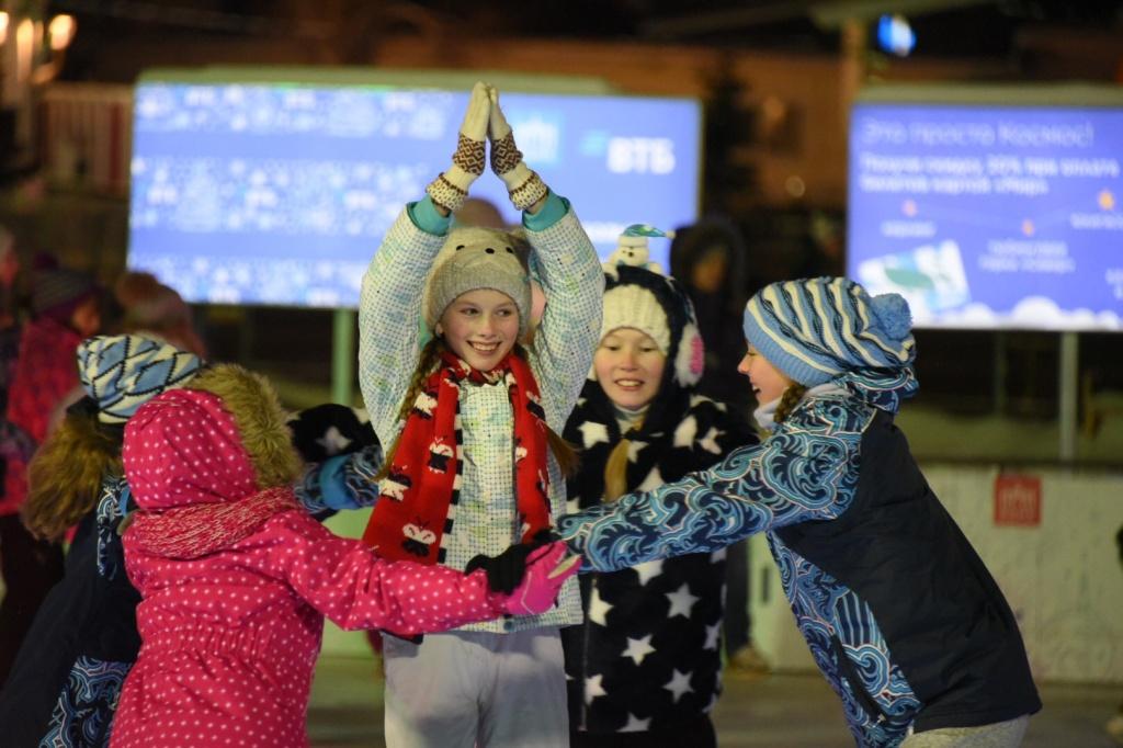 Зимние забавы: спортивно-новогодний праздник состоялся в Марушкинском
