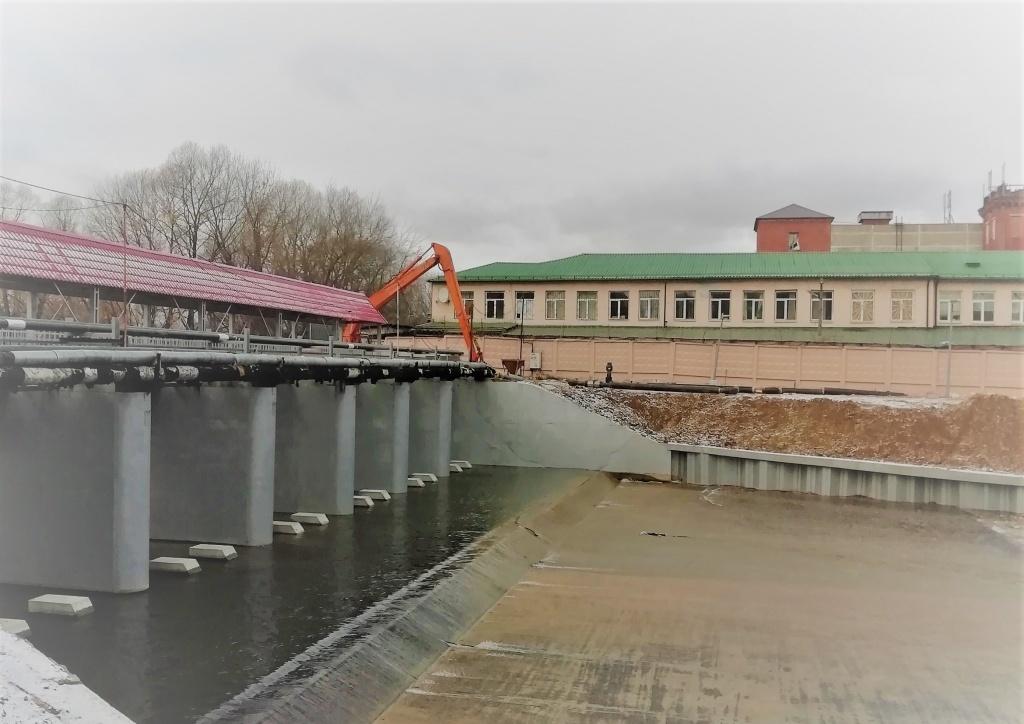 Специалисты завершили очередной этап реконструкции плотины в Рязановском