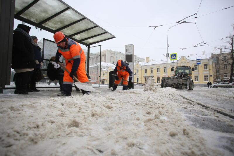 Московских водителей предупредили об осложнениях на дорогах