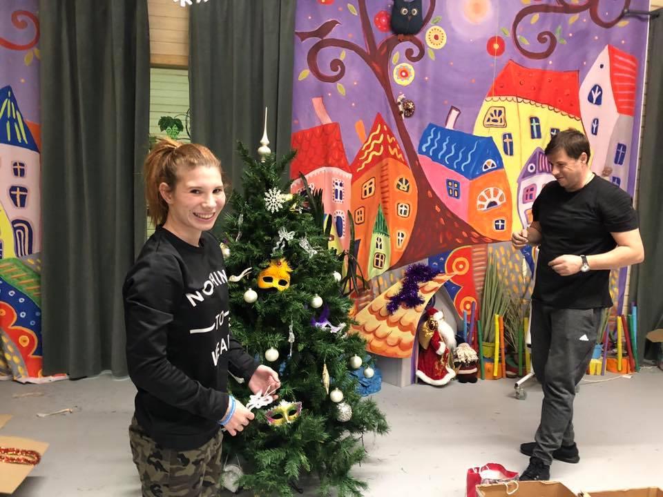 Волонтеры с ребятами украсили Филимонковский детский дом-интернат «Солнышко»