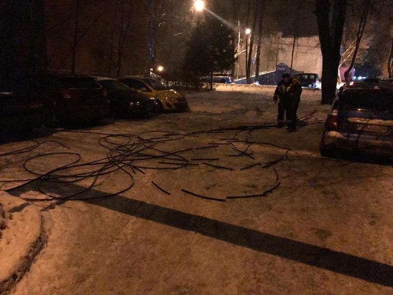 Сотрудники ДПС ГИБДД УВД по ТиНАО задержали подозреваемого в попытке хищения кабеля