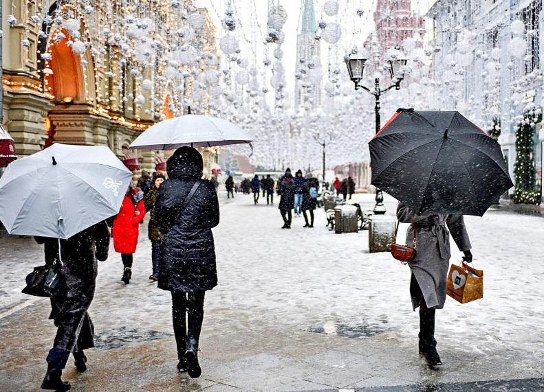 Синоптики Москвы предупредили о снежных заносах