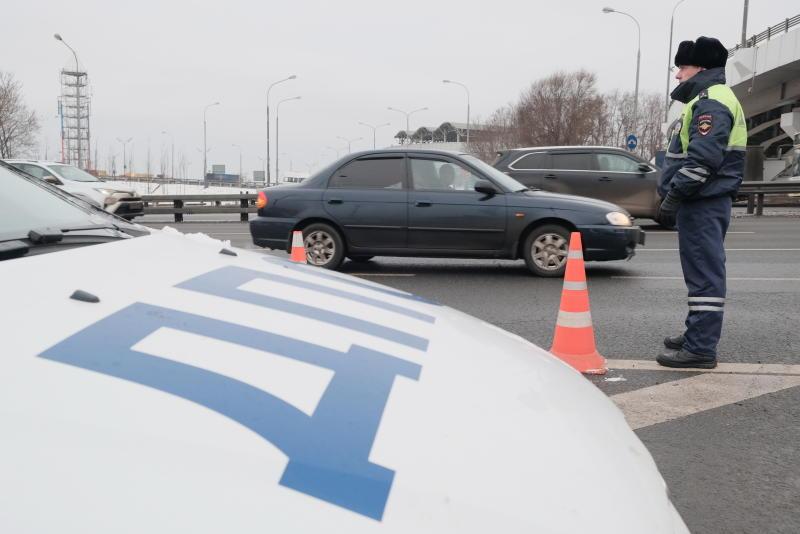 Спасатели извлекли водителя из «Жигулей» после аварии с участием трактора в Новой Москве