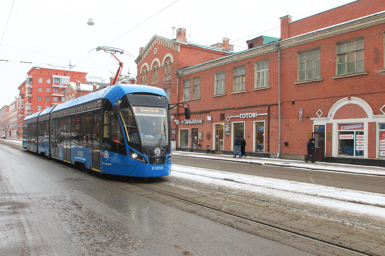Специалисты провели ремонт более 220 километров трамвайных путей